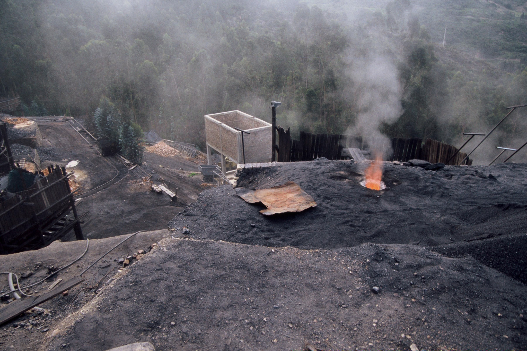 Coal mines outside the town of Samacá, in north-central Colombia. Photograph by Scott Wallace / World Bank