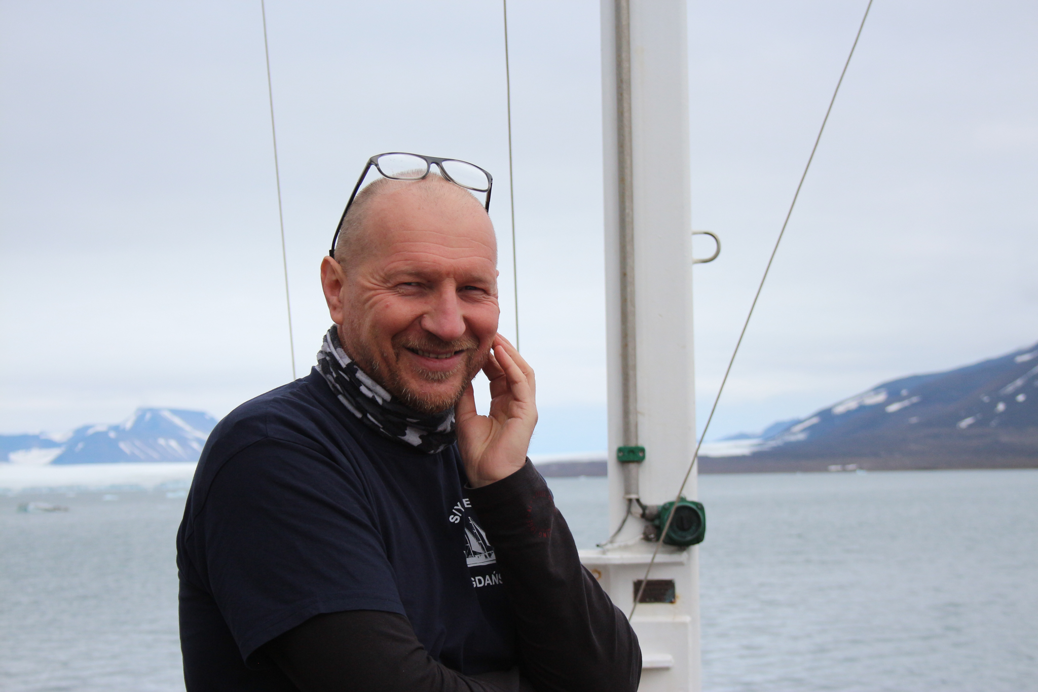 Sławomir Kwaśniewski first visited Spitsbergen in 1980 as a university student, and has since spent decades studying the warm waters of the West Spitsbergen Current flowing into the Arctic (and more recently the fjords). Photograph by Hannah Hoag