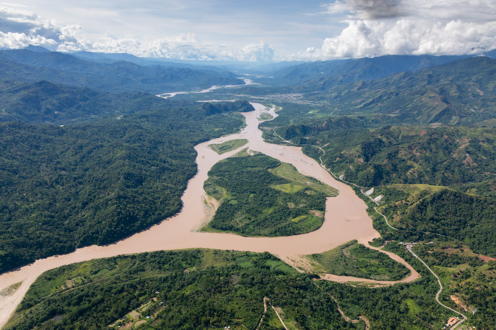 The Apurimac River, with the Vilcabamba Range at right. Photo by Andy Isaacson
