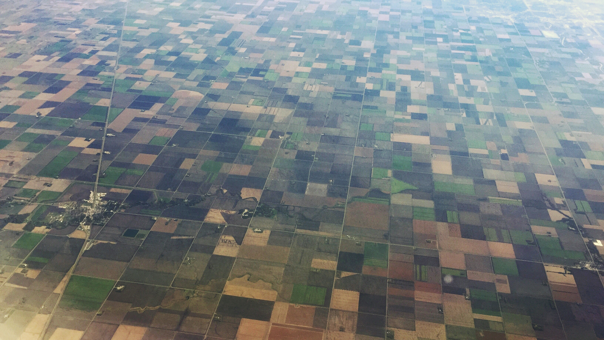 Aerial view of crops. Photo by Robert Kneschke.