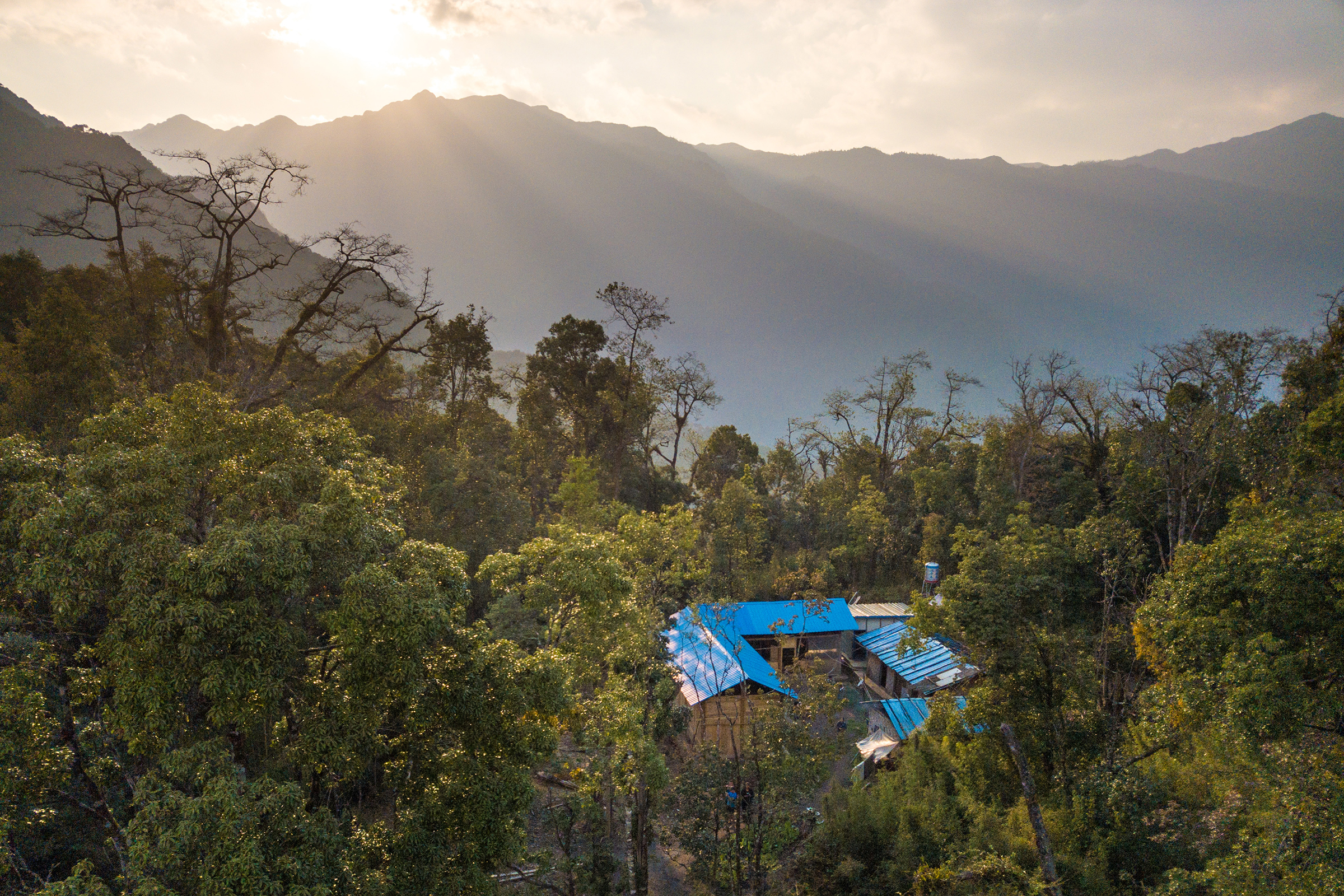When working in the National Nature Reserve, rangers stay at the Banchang research station, which sits at around 1,800 meters on one of the ridges of the Gaoligong Mountains.